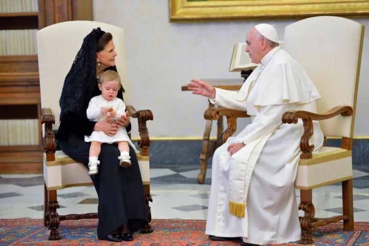 150427 Drottning Silvia möter påven i Rom. Foto Kungahuset.se .jpg