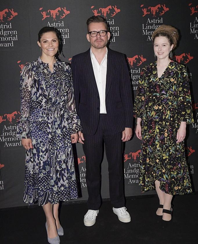 ffd40b2fb7e6 Ursnygg trio! Älskar kulturministern i Rodebjer. Kronprinsessan bar ju  själv en klänning från samma kollektion i Vietnam helt nyligen, nämligen  denna: